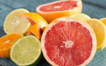 تقشير البشرة بأحماض الفواكه وفوائده لجمالك