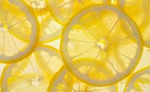 خلطات قشر الليمون للعناية بالبشرة