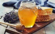 اكتشفي وصفات العسل لتفتيح البشرة