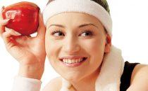 تعرفي على أهم الفيتامينات التي تحميك من تساقط الشعر وأبرز مصادرها الغذائية