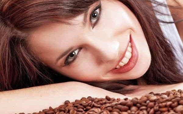 جربي وصفة القهوة السحرية للحصول على شعر ناعم وكثيف