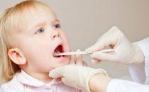 اكتشفي طريقة التعامل مع التهاب الحلق الموسمي لدى الأطفال