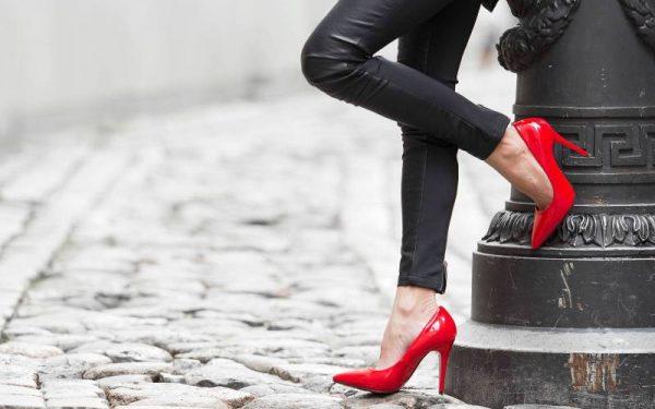 إليك طريقة العناية بجمال الساقين في خطوات بسيطة