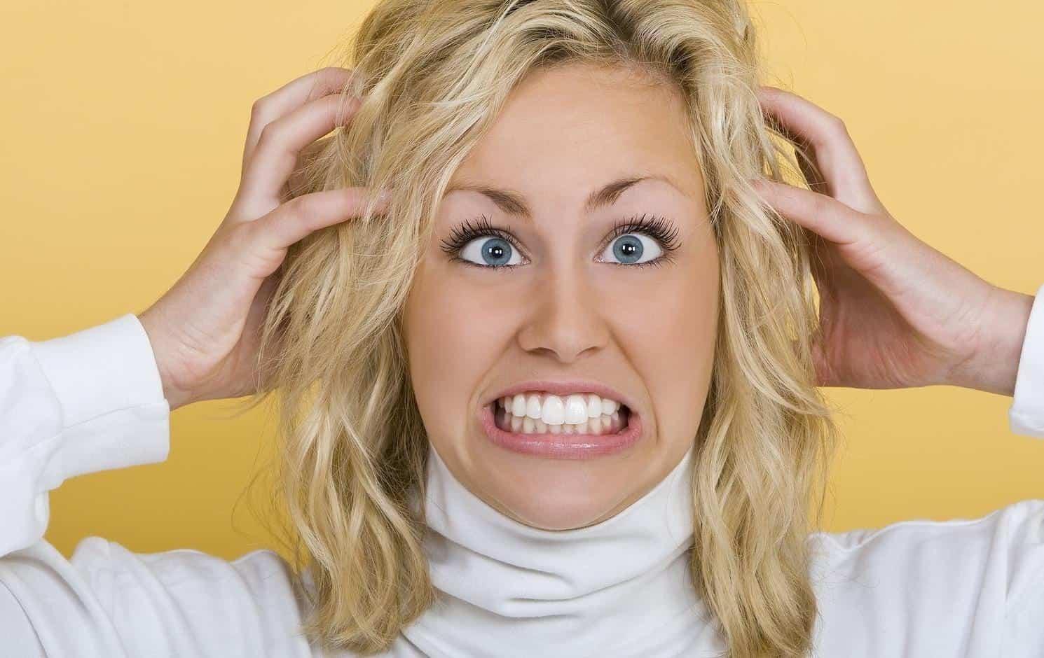 خلطة أوراق الكاري علاج طبيعي لحكة الرأس المزعجة