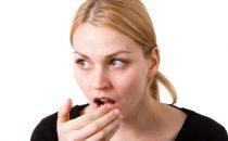 وصفات طبيعية لعلاج رائحة الفم الكريهة