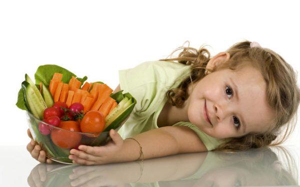 طفلي يرفض تناول الخضار…كيف أتصرف؟