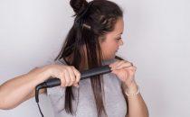 أبرز الأخطاء الشائعة عند استخدام مكواة الشعر
