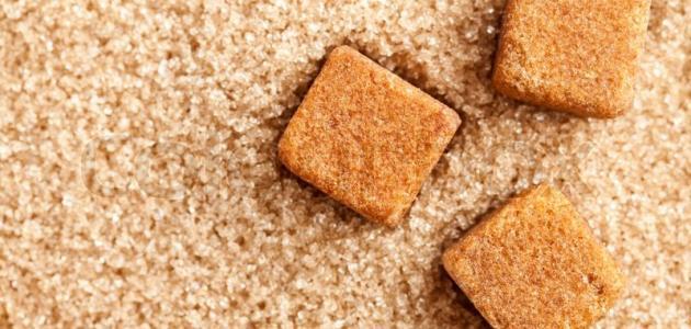 مقشرات طبيعية من السكر البني
