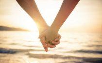 5 طرق لبناء وتعزيز الثقة بين الزوجين