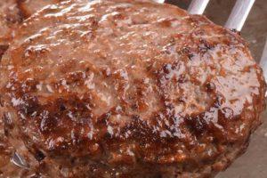 طريقة تجهيز برجر اللحم في المنزل