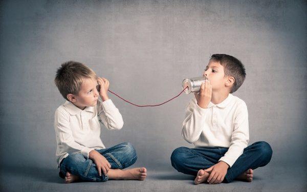 إليك طريقة علاج التلعثم عند الأطفال وتنمية مهارات النطق