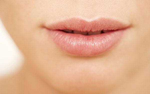 تخلصي من الحبوب حول محيط الفم بهذه الخطوات