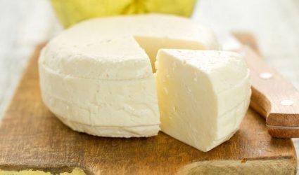 جهزي الجبنة البيضاء لأطفالك في المنزل