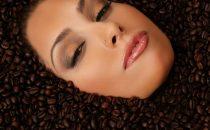 اكتشفي هذه الفوائد المذهلة للقهوة على البشرة وحضري وصفاتك المنزلية منها