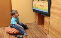 احذري مخاطر الإفراط في مشاهدة التلفاز على أطفالك