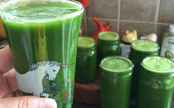العصير الأخضر للتخلص من دهون البطن