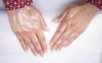 تعرفي على أفضل المكونات الطبيعية لتقشير اليدين والقدمين
