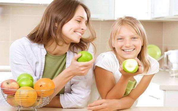 5 أطعمة مفيدة لطفلك في فترة المراهقة.. لا تهمليها مطلقا