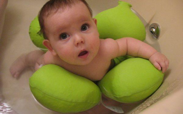 نصائح مفيدة للعناية بالطفل الرضيع في الأيام الحارة