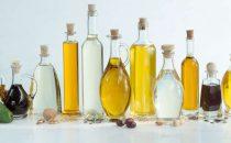كيف تختارين الزيت المناسب لنوع شعرك؟
