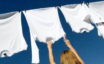 6 نصائح لإزالة بقع العرق من الملابس