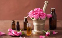 تعرفي على فوائد زيت بذر الورد لمكافحة الشيخوخة