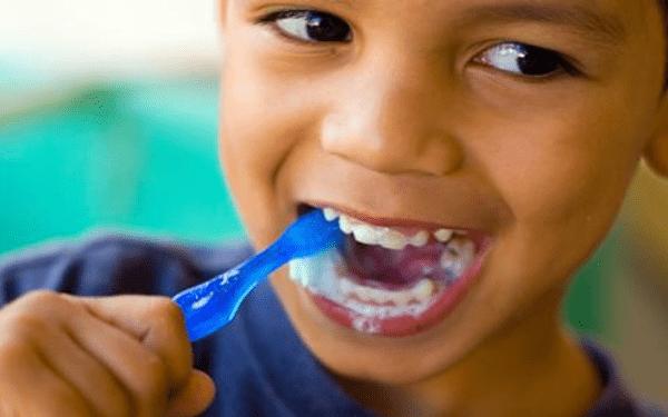 هذه الأطعمة تحافظ على أسنان طفلك.. اكتشفيها