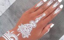 اكتشفي أجمل نقوش الحناء البيضاء لعروس هذا الموسم