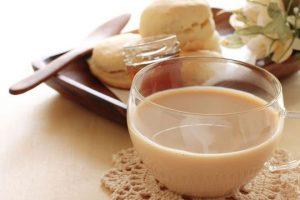 أشهى شاي كرك يمكنك تجهيزه في المنزل