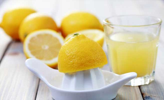 استخدامات منزلية مميزة لعصير الليمون