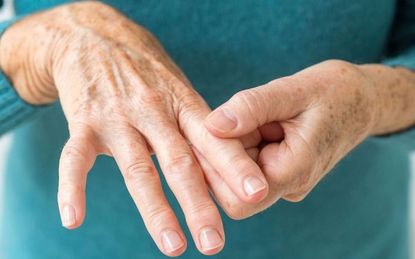 5 عصائر طبيعية لتخفيف آلام التهاب المفاصل الروماتويدي
