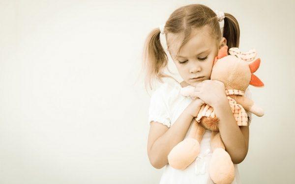 نصائح مفيدة للتعامل مع الطفل الحساس بشكل سليم