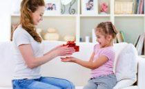 كيف تكافئين طفلك بأسلوب تربوي سليم؟