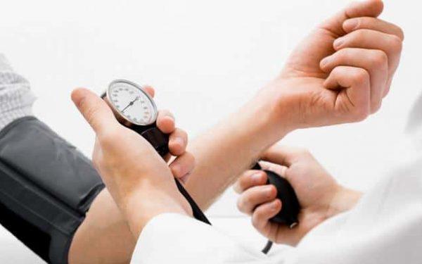 علاجات طبيعية للسيطرة على ارتفاع ضغط الدم