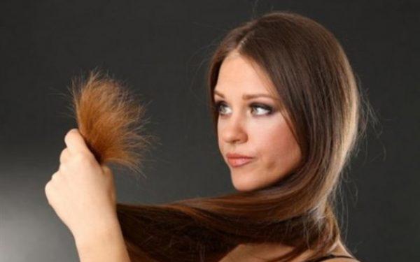 هل تعانين من تقصف الشعر؟ إليك الحل