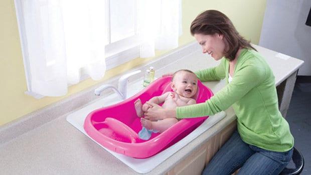 حمام الطفل الرضيع