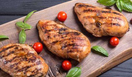 جهزي في المنزل صدور الدجاج مثل المطاعم