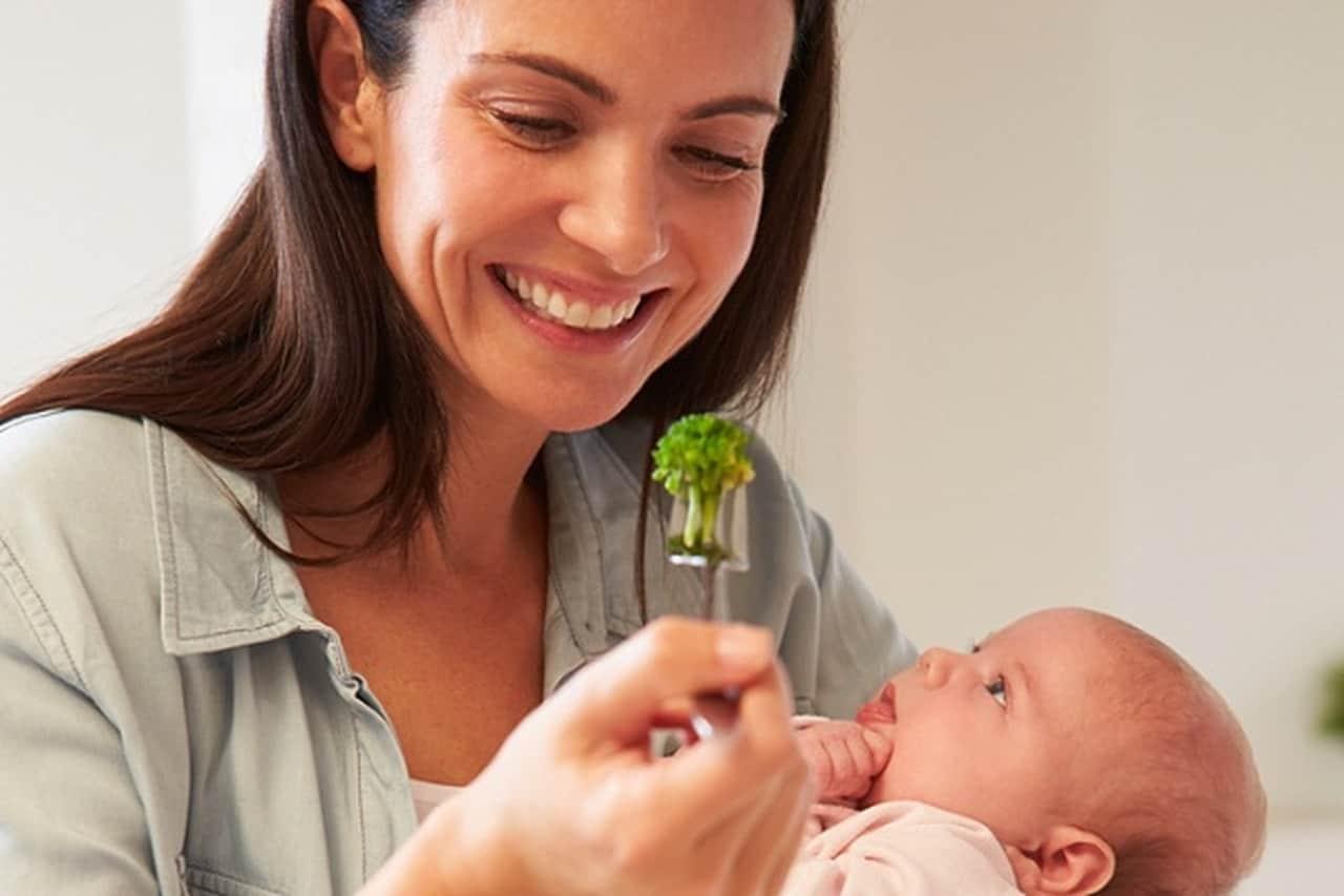 5 أطعمة لتخفيف الوزن بعد الولادة