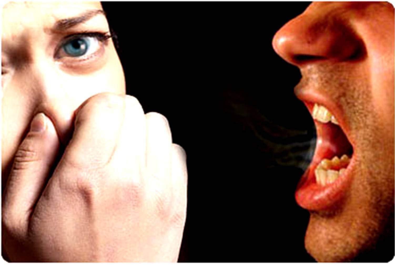 علاجات طبيعية للتخلص من رائحة الفم الكريهة