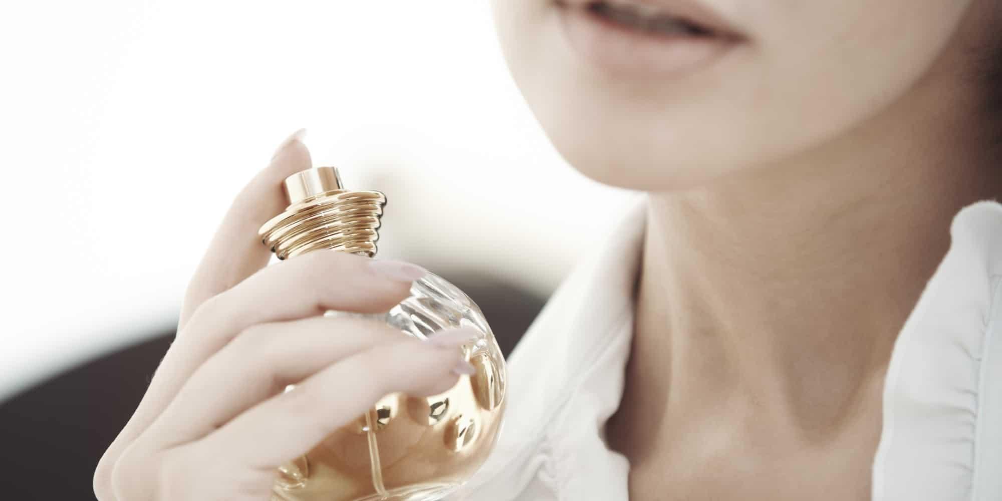 طرق تثبيت رائحة العطر