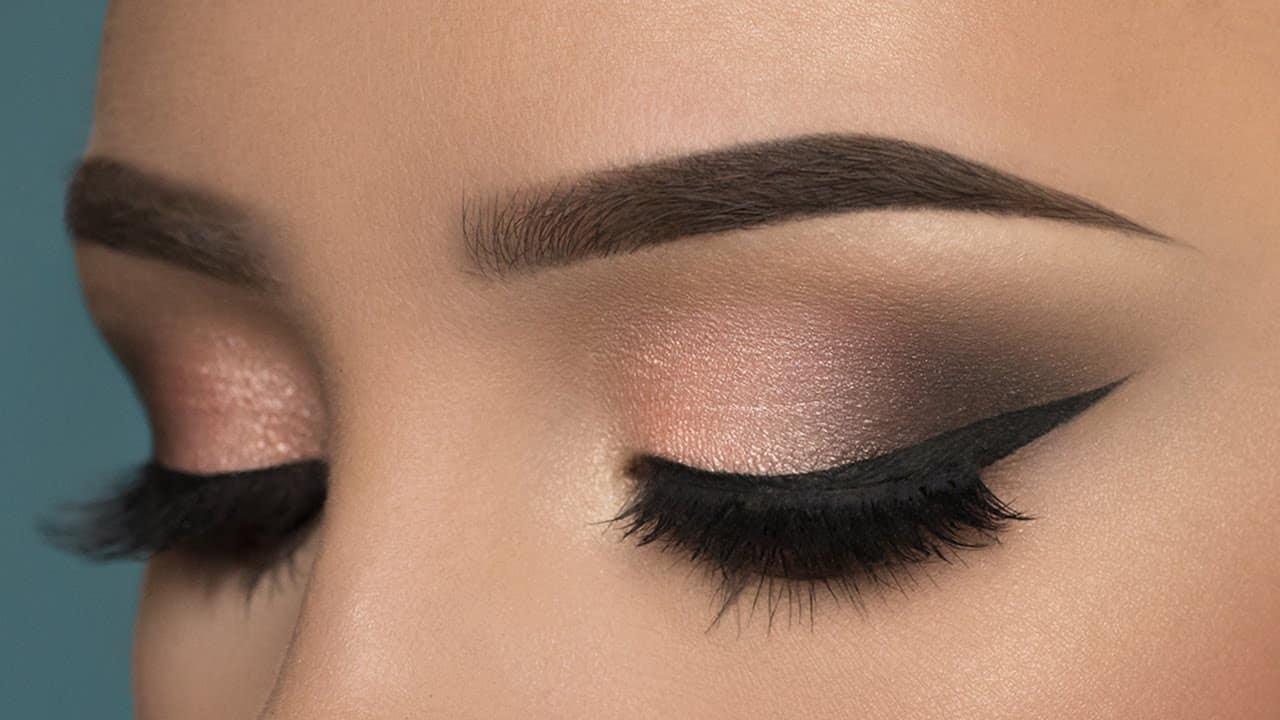 طرق وضع ظلال العيون حسب لونها