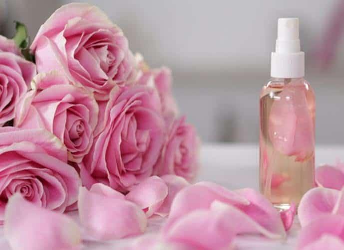 وصفات ماء الورد للبشرة