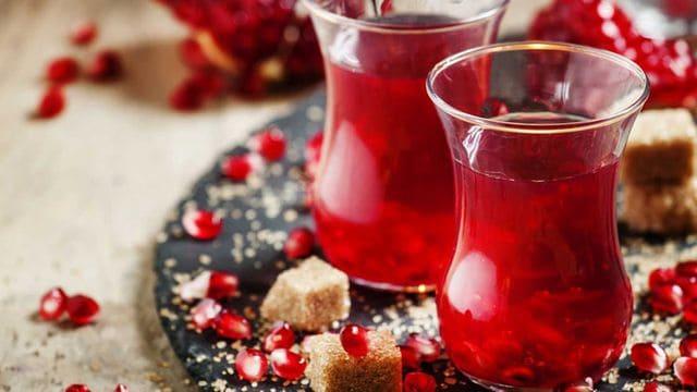 طريقة تجهيز الشاي التركي بالرمان