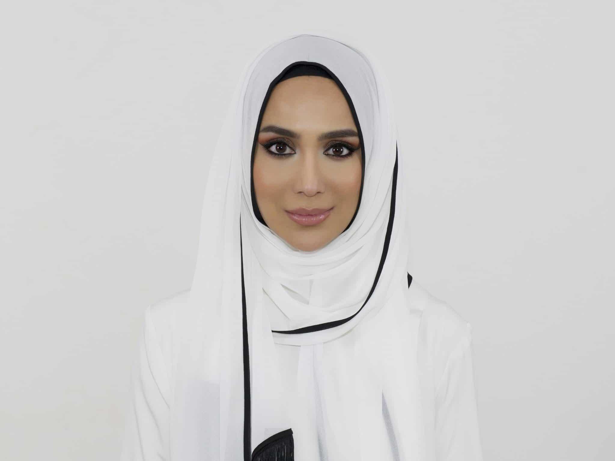 إطلالة حجاب أنيقة