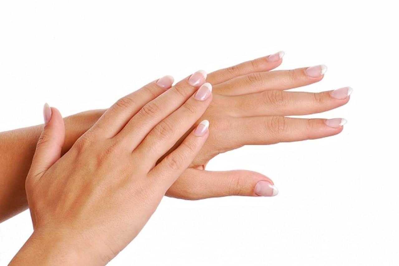 جفاف اليدين