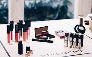 تألقي بماكياج ساحر من توقيع Givenchy