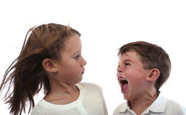 سلوكيات غير مقبولة للطفل لا يجب تجاهلها