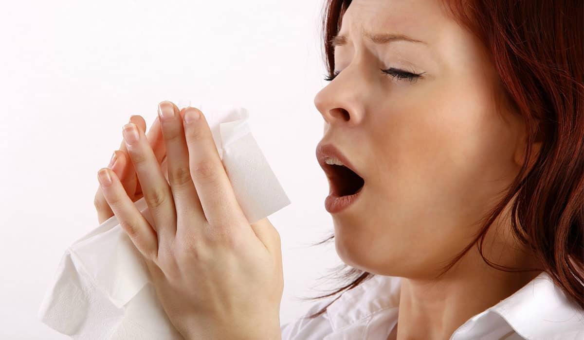 ماكياج منزلي بسيط لإخفاء آثار الأنفلونزا