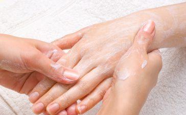 كريمات تنعيم اليدين