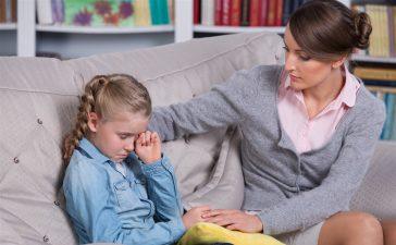 6 أخطاء شائعة يرتكبها الأهل تدمر التربية السليمة